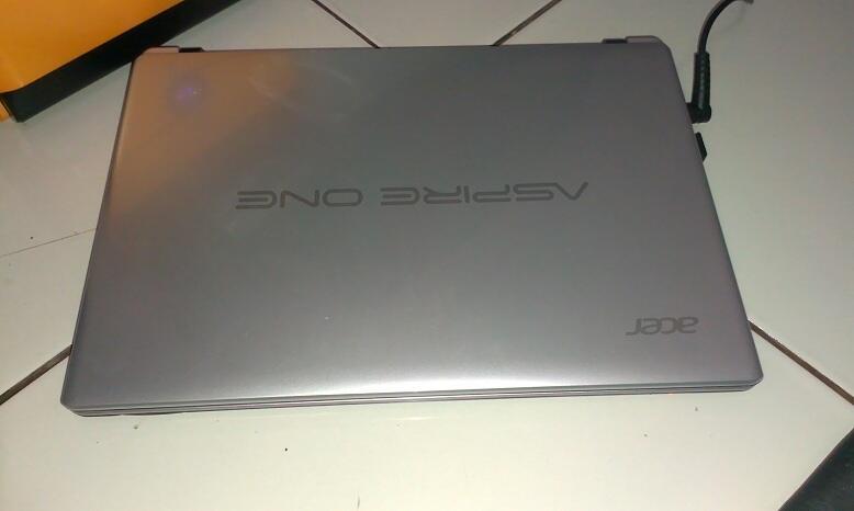Acer AO756-B847Css fullset, like new neh...