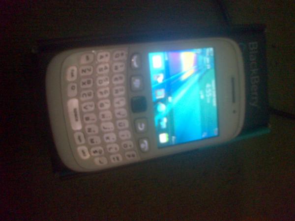 Turun Harga|| Blackberry 9320 Fullset Garansi , Bandung