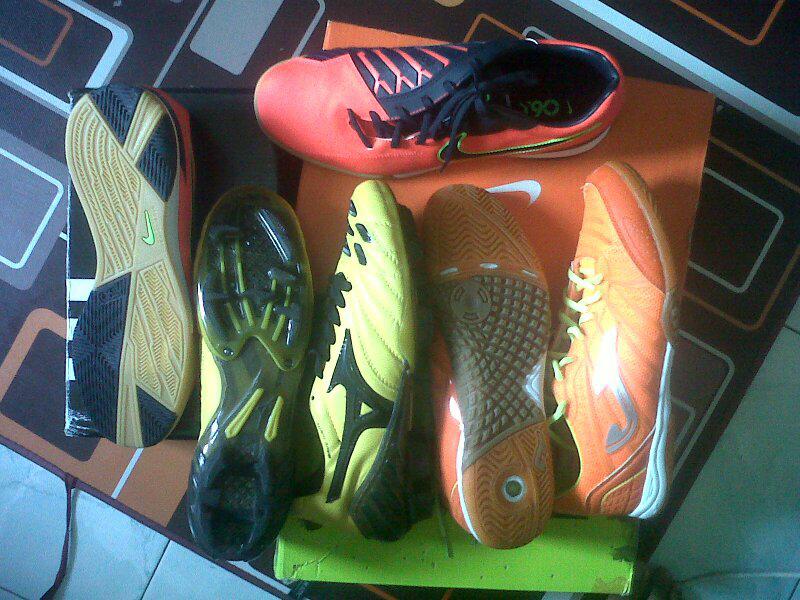 sepatu futsal nike, joma ori, soccer mizuno murah