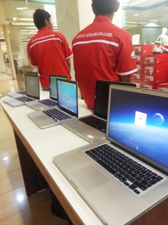 """JUAL MURAH ..!! Macbook PRO 5.1 2ND CORE2DUO 15.2""""/4GB/320GB/NVIDIA 256MB+256MB INTEL"""