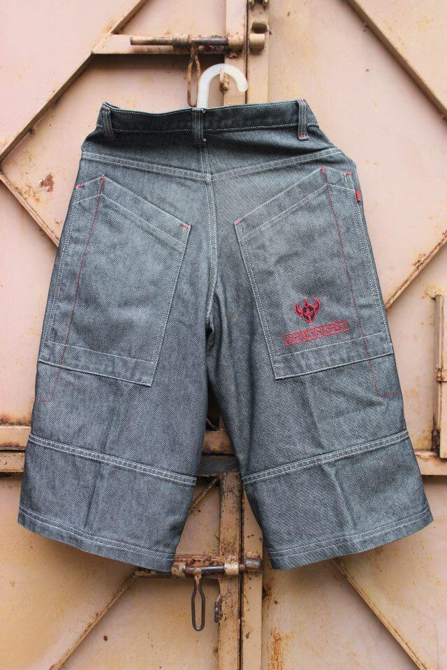 wts celana pendek/short pants denim, model semi hip hop size 27, murmer. SOLO