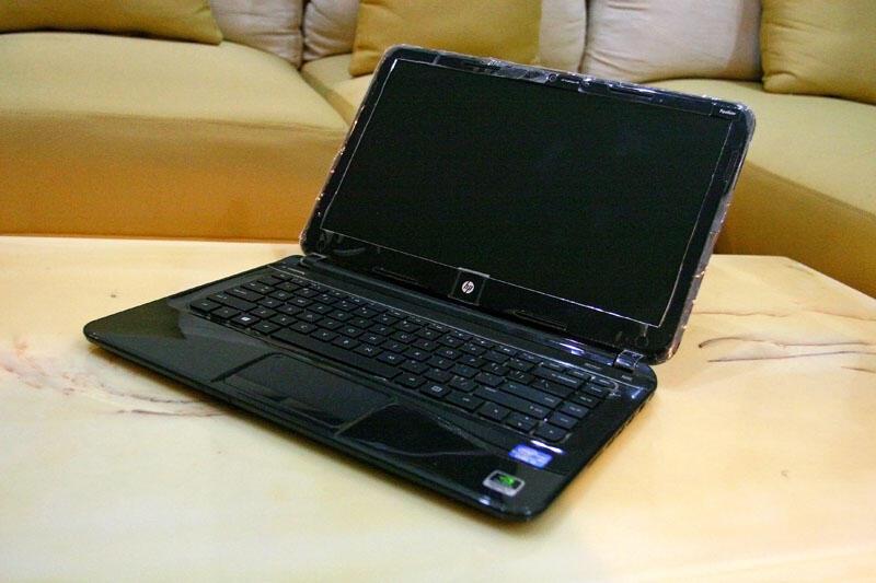 HP Pavilion Sleekbook 14,i3 1.4GHz,Ram4GB,500GB,Ws8