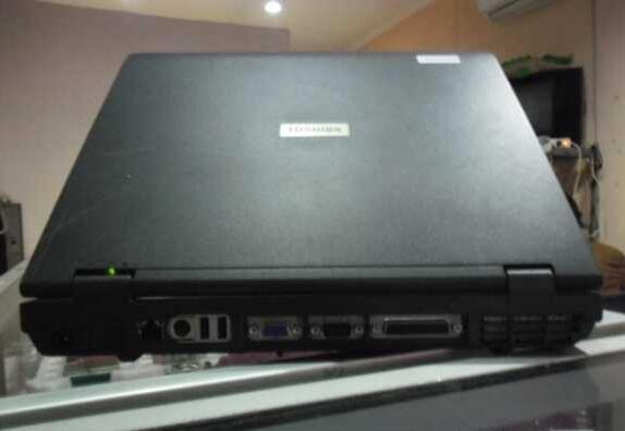 Laptop Buil Up Toshiba J72 Super Mulus