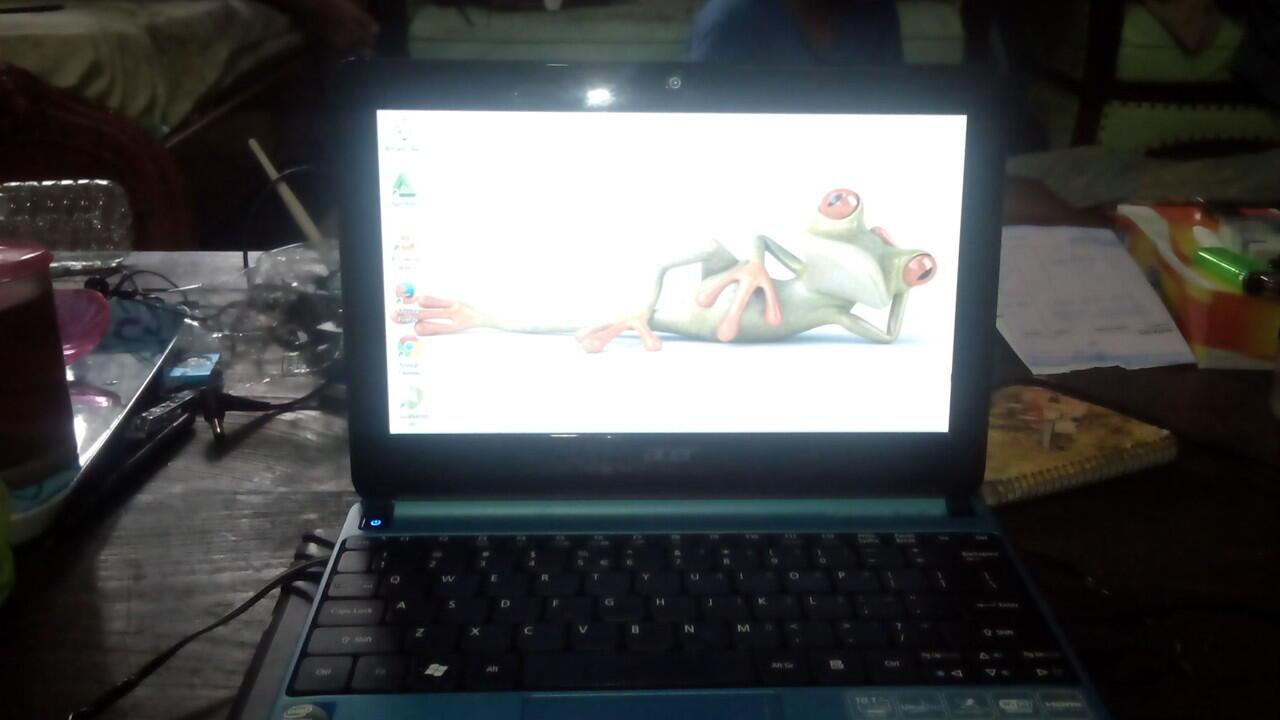Laptop / Netbook Acer Aspire One D270 N2600 Segel Hdd 320gb Mulus Seperti Baru