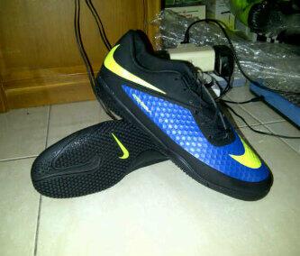 SEPATU futsal Hypervenom ic Blue