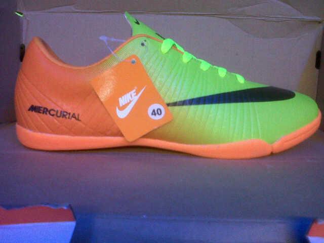 Sepatu futsal Obral murah meriah!!!