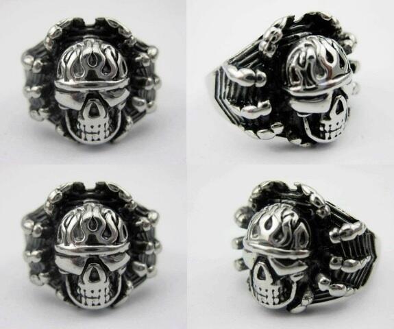 Earing Skull Stainless Steel.x