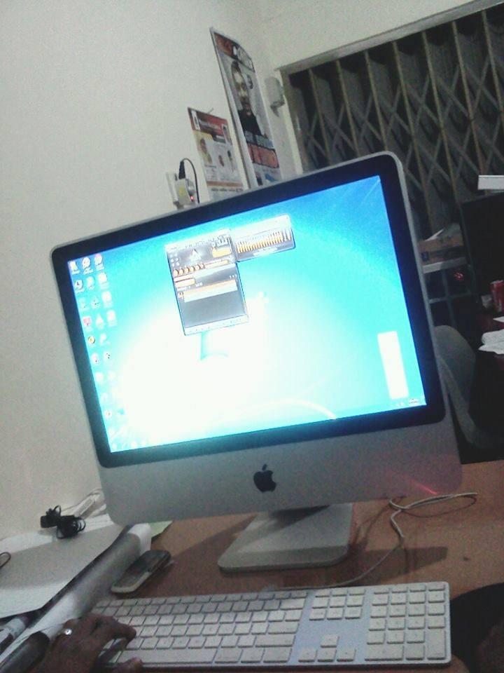 Di Jual Pc apple all in one Core2Dou hardis 250GB Ram 4gb. Rp.3.000.000 Minat