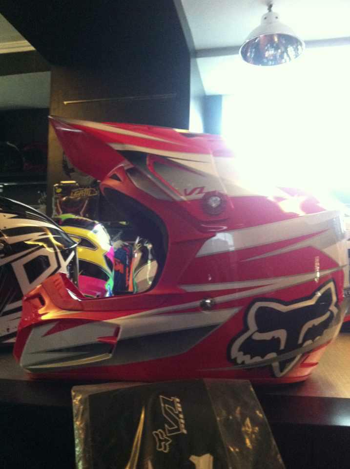 Selling: Helm Fox V1, V2, V3 [Original Fox Helmet] Semarang