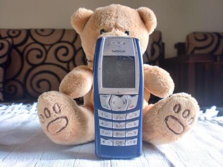 Jual Santai Handphone Batangan dan Mati Total. HP NOKIA C6, NOKIA N70, NOKIA 6610i