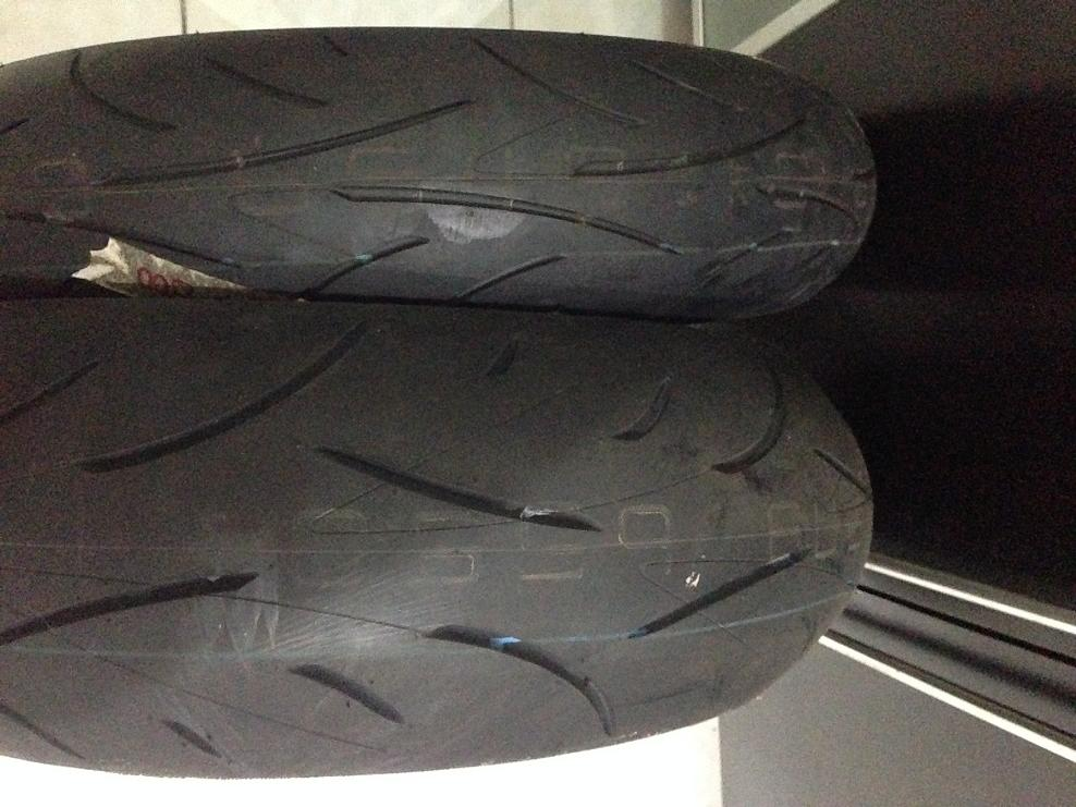 Ban Dunlop Sportmax 120/70-17 dan 180/55-17 Copotan Kawasaki Z-800 99,9%