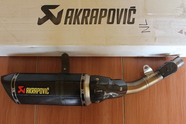 KNALPOT SLIP ON AKRAPOVIC KAWASAKI Z800. SECOND FRESH LIKE NEW 99.9% ( BANDUNG )