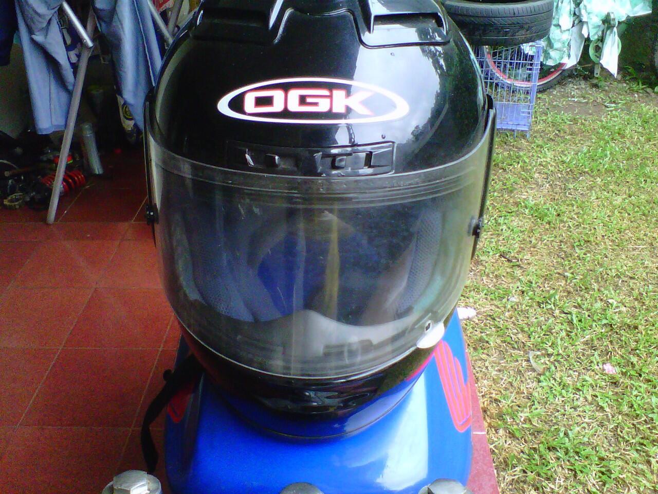 Jual helm rare japan OGK aeroblade mulus dan murah jarang dipakai