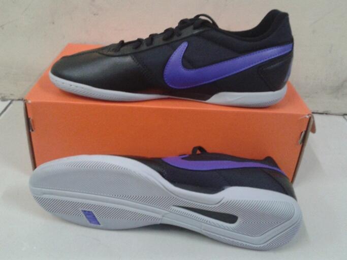 Terjual jual sepatu futsal nike Davinho black pure purle original ... 6b1de89d1e