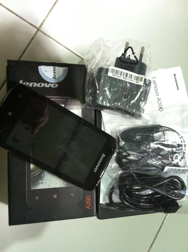 Handphone Android LENOVO A390, FULLSET LIKE NEW,,BBM READY