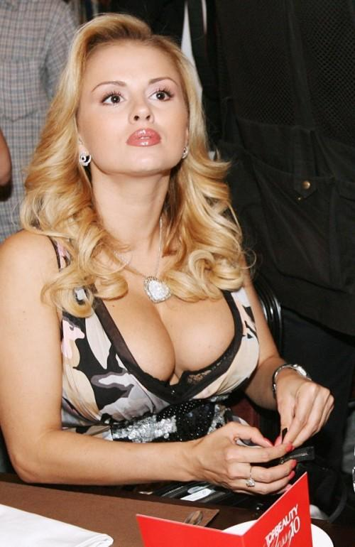 "Cantik dan Sexynya "" Anna Semenovich ! Amboiiiiiiii !"