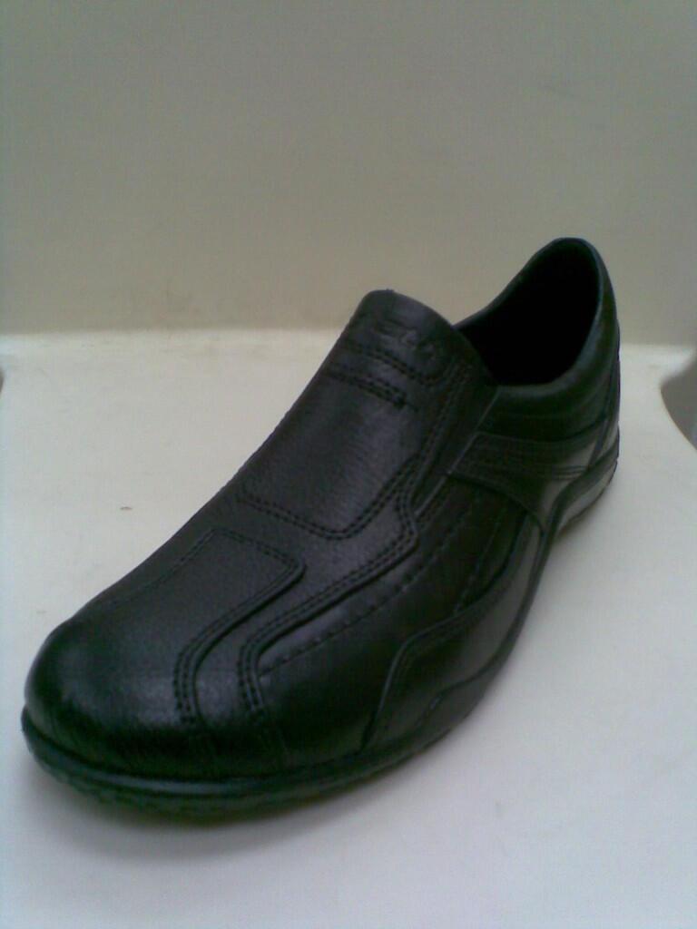 Terjual Sepatu Karet 50 Ribuan Bogor Depok Cibinong Kaskus Merk Att