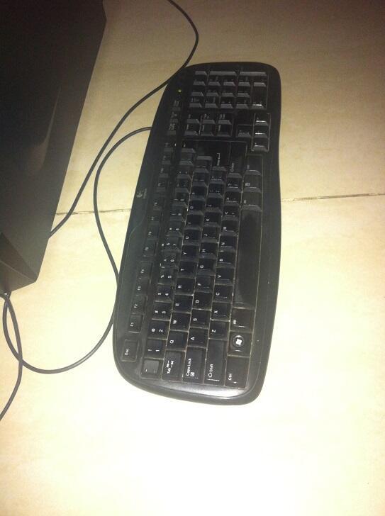 Dijual PC ex-gaming jarang dipake cpu + keyboard and mouse