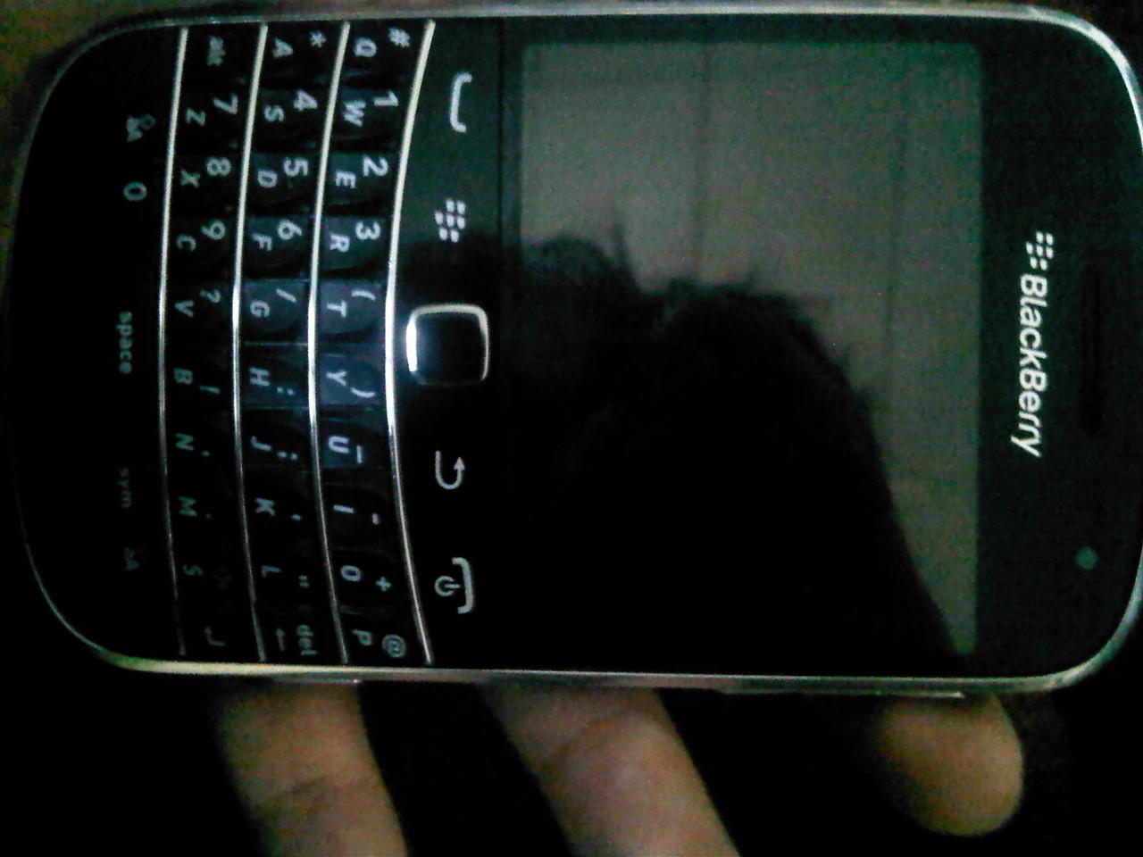 Blackberry Dakota 9900 hitam