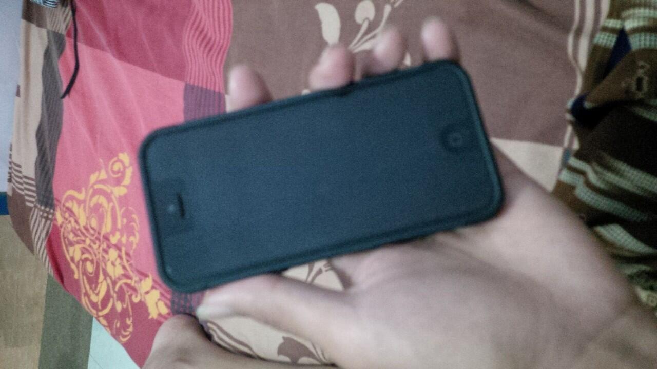 jual iphone 5 16 gb apa adanya 4jt an aja