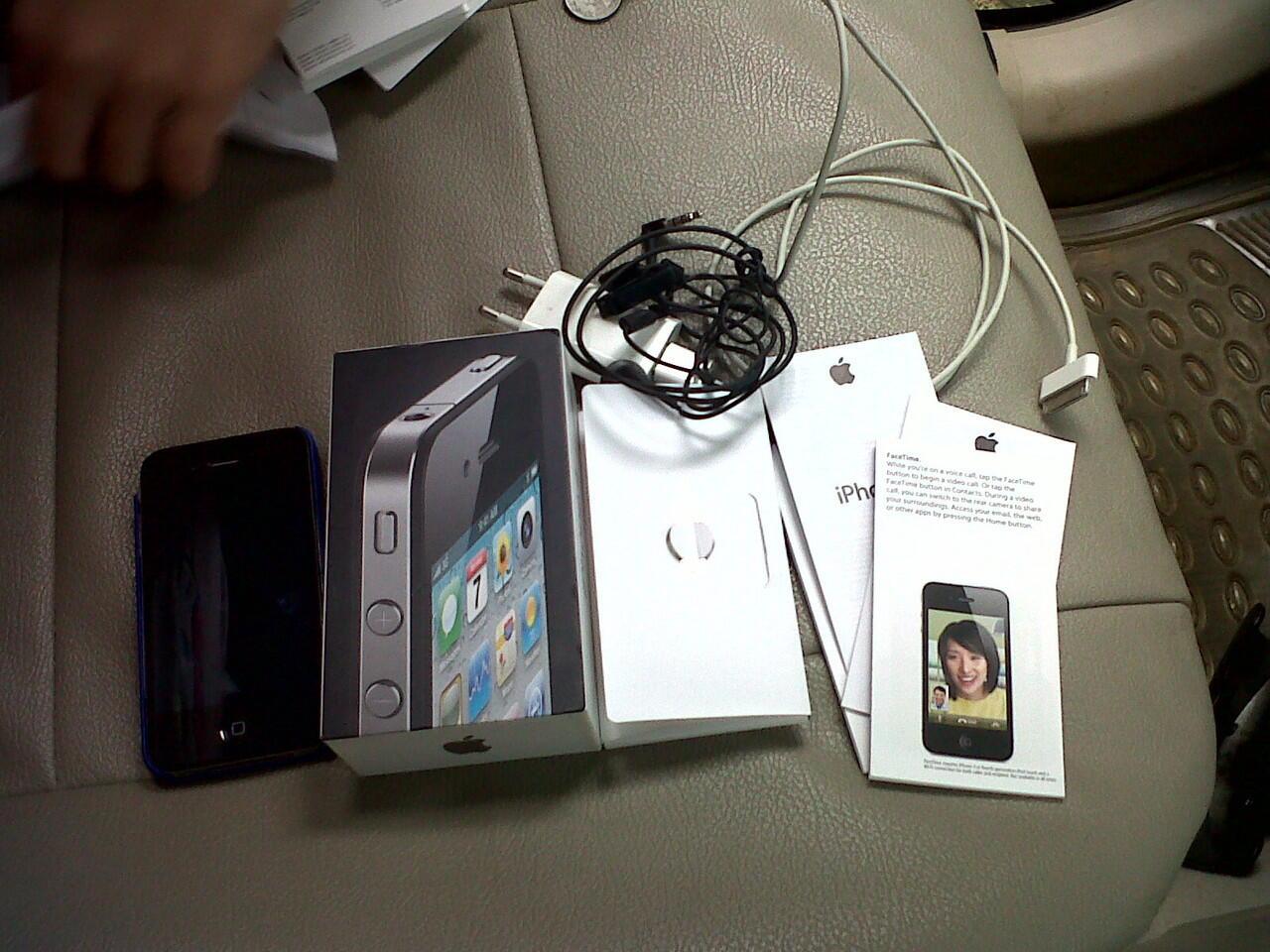IPHONE 4 16GB MULUS! JUAL CEPAT!!