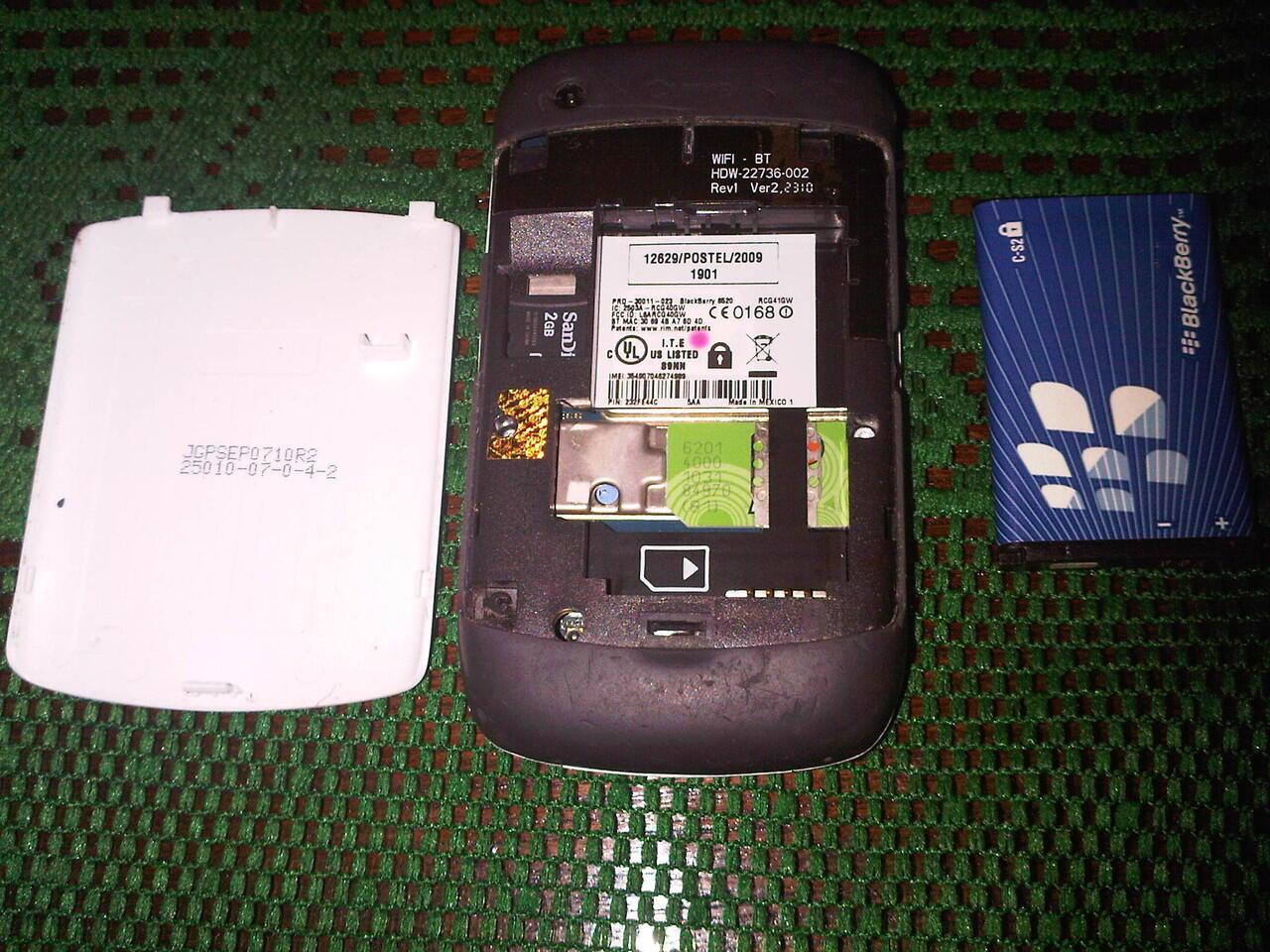 Blackberry Gemini 8520 WHITE