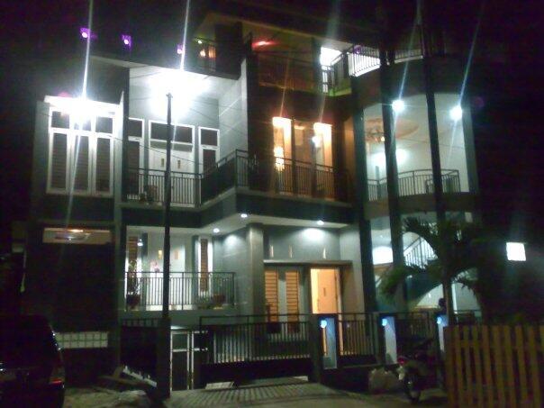 Rumah Tinggal Modern Siap Huni