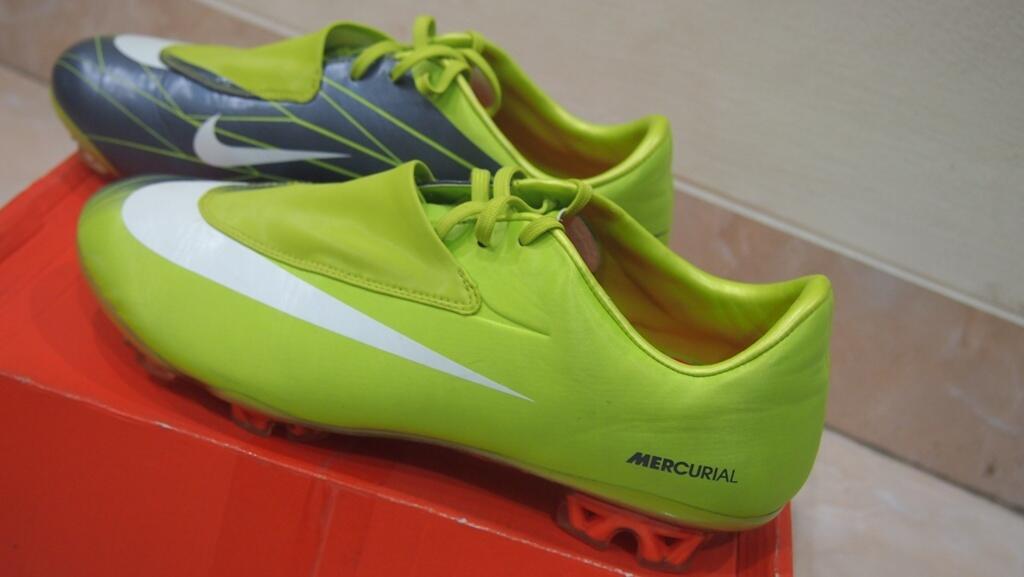 Terjual Sepatu Bola Laser Elite b45f7b27e1