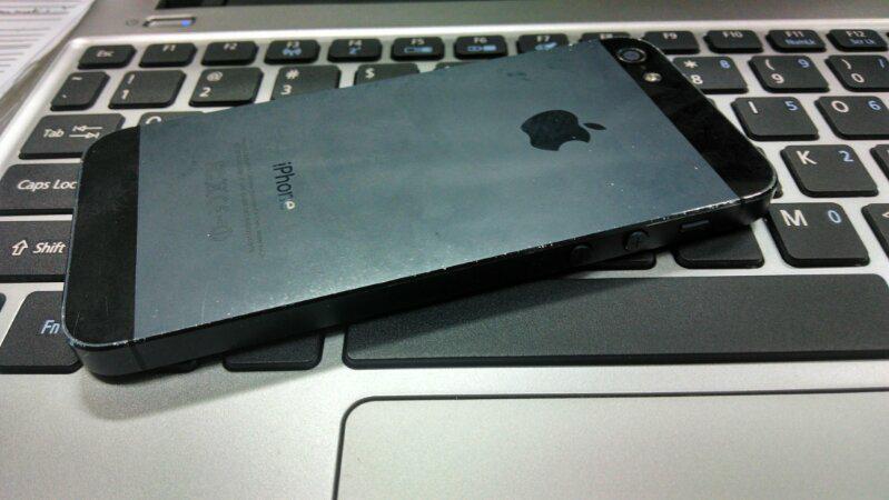 iPhone 5 black lock icloud cuman 1,75 .JKT-pusat