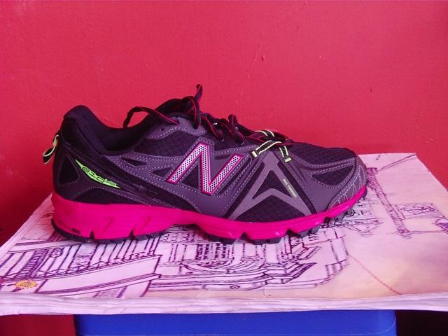 SEPATU NEW BALANCE (NB) TRAIL RUNNING 610 V2 ORIGINAL 50% OFF SIZE 44 87cddcbbe4