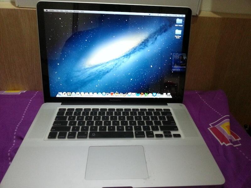 """Macbook Pro 15"""" MD318 i7 Quadcore fullset mulus murah"""
