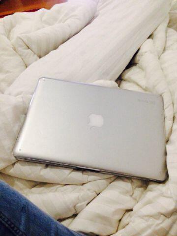 """Macbook Pro 13"""" Core i7 MD102 masih garansi!!!"""