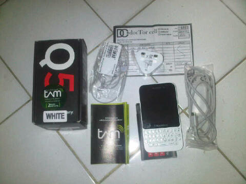 blackberry bb Q5 white garansi tam full set 4 bulan pakai jogja only
