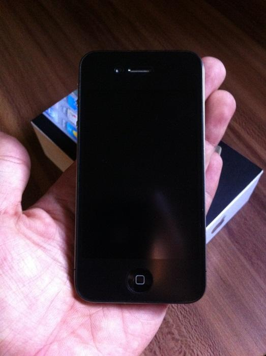 WTS Iphone 4 /4G 16gb FU Black Mulus Magelang - Jogja