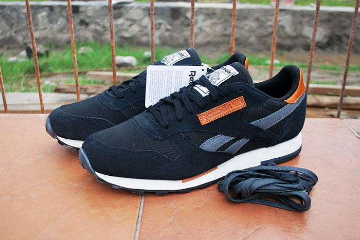 big sale e5a4a 68452 REEBOK CLASSIC LEATHER UTILITY BLACK ORIGINAL 100%   42   KEDAI SEPATU    JOGJA