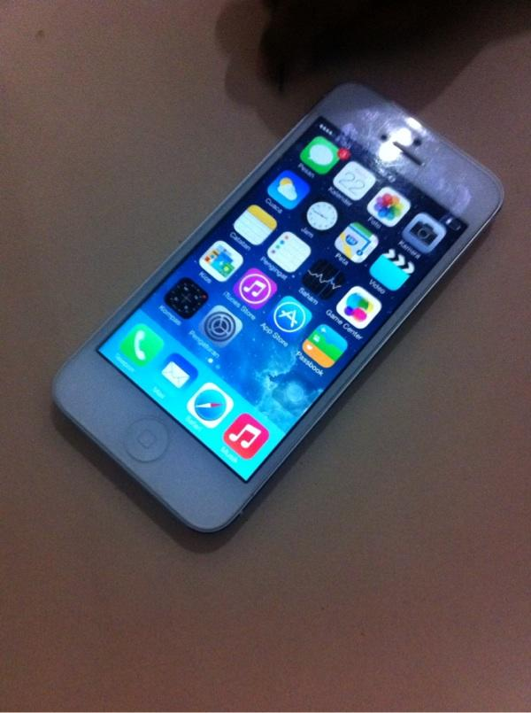 Bu iphone 5 16Gb FU minus murah solo Jogjakarta Bandung Jakarta