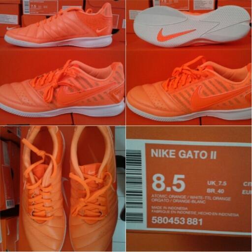 jual sepatu futsal nike gato II atomic orange   white total orange original 39e967157b