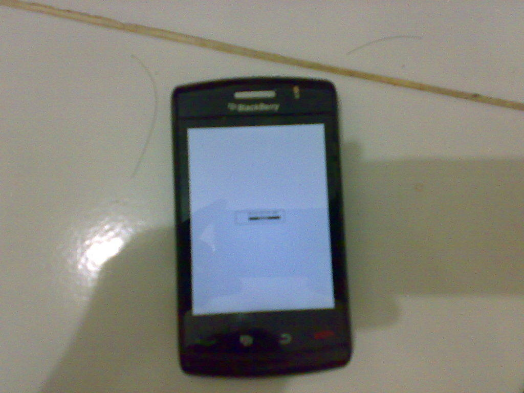 [WTS]blackberry storm 2 9550..software error..