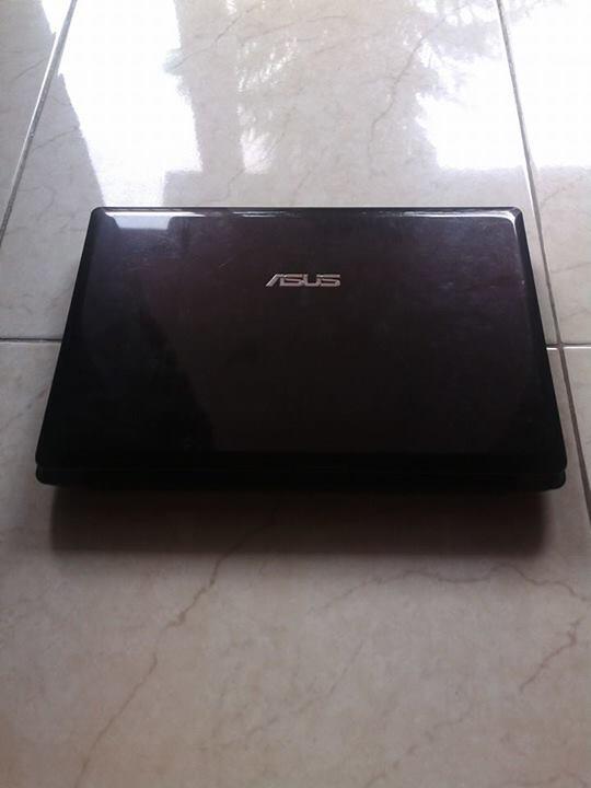 ASUS X43U AMD E-350 , RAM 2GB , VGA RADEON , HDD 320GB , GARANSI
