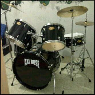 jual drum merk AXL ROSE (5pcs 7pcs rak sistem dan junior) harga terjangkau, masuk gan