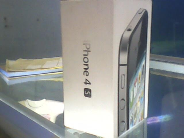 dus iphone 4s black 64gb,charger,kabel data,sim ejector
