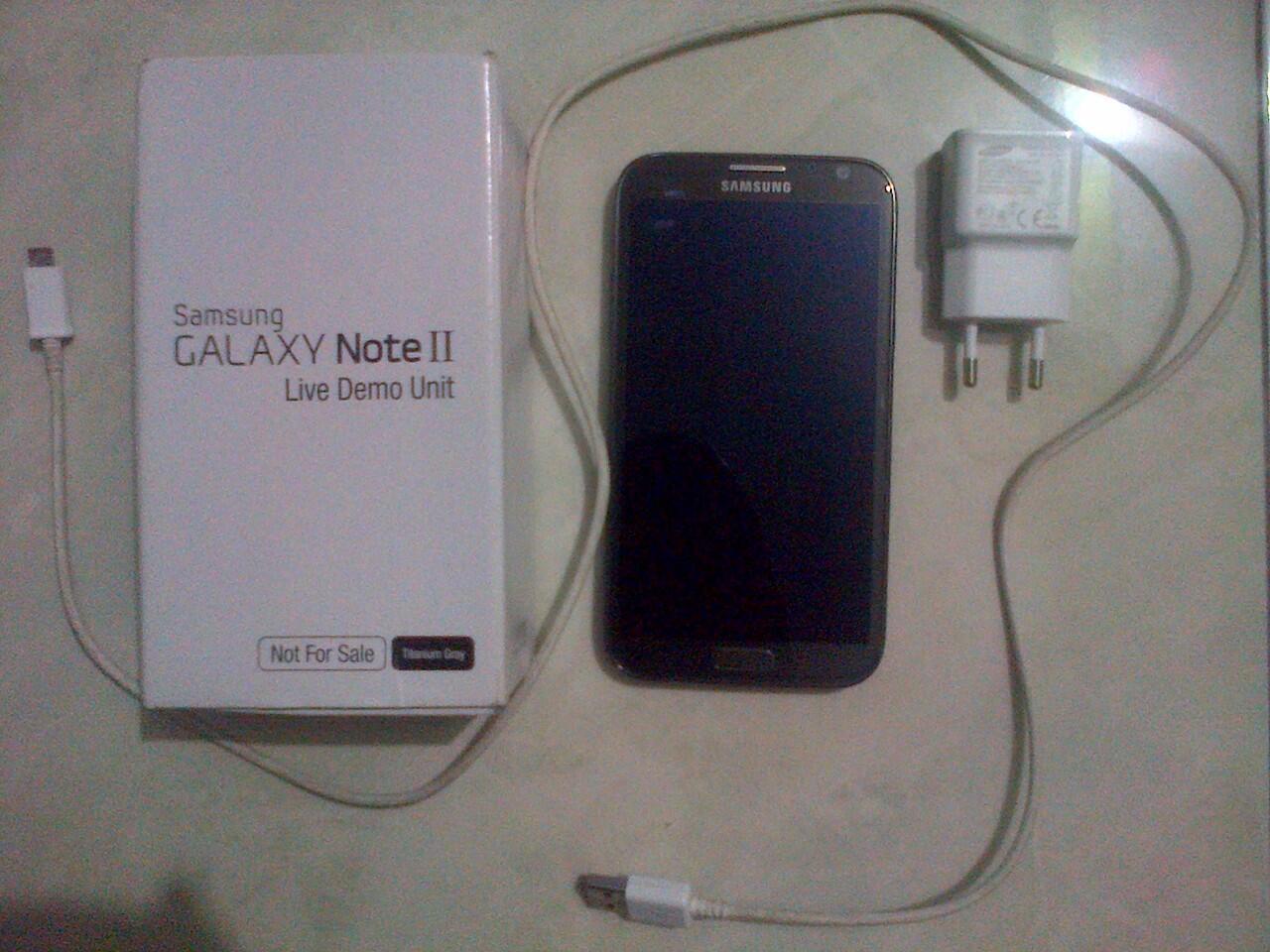Terjual Samsung Galaxy Note 2 GT- N7100x Live Demo Unit