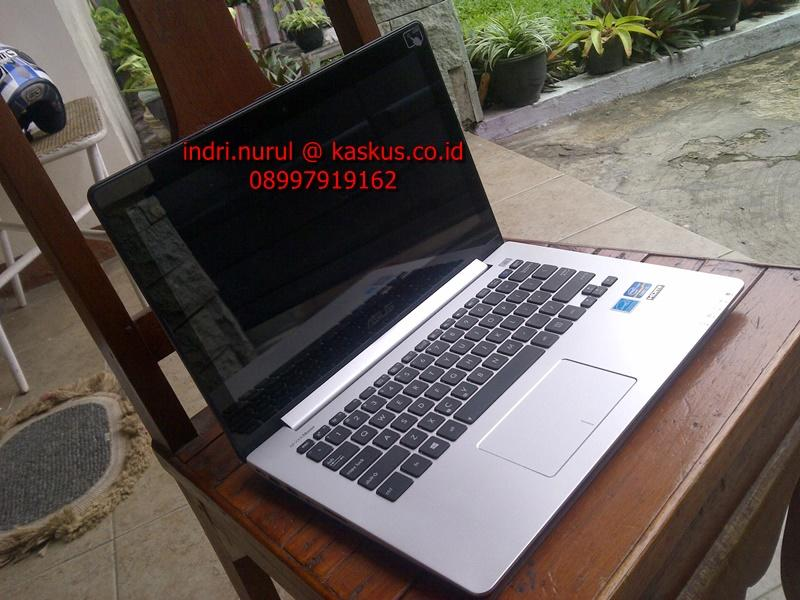 like new asus vivobook s300 slim touch ultrabook i5-ivybridge win8 garansi 2015 [bdg]