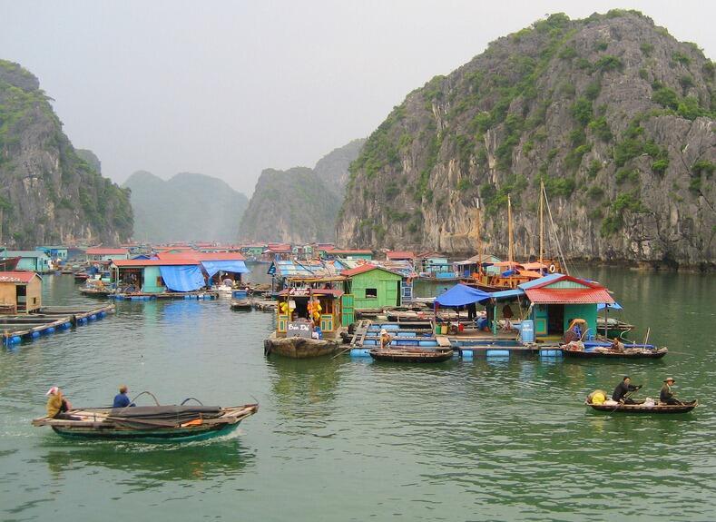 Berkunjung ke Desa-desa Unik, Keren, dan Mengagumkan Around The World