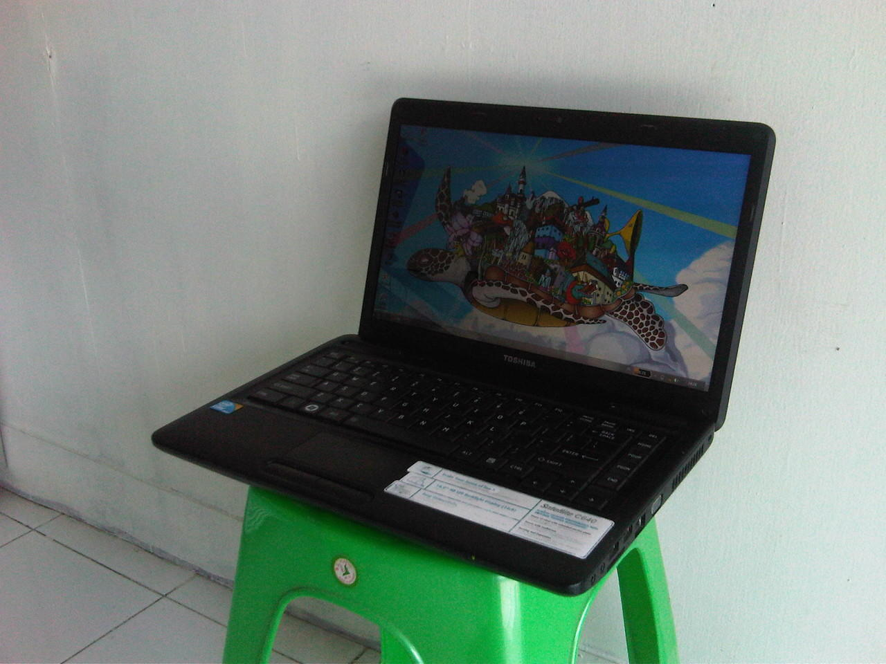 Laptop Toshiba C640 Core i3 DDR3 1 GB HDD 320 GB