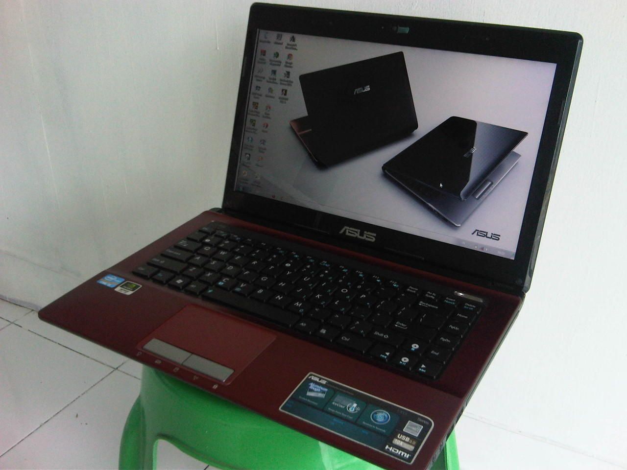 Laptop Super Gamer Asus i3 VGA 2 GB Ram 2 GB HDD 500 GB