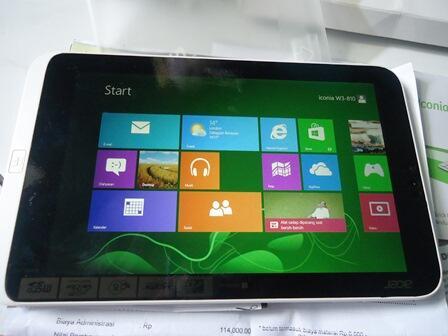Acer Iconia W3-810 Window 8 Tablet PC Fullset Umur 3 bulan