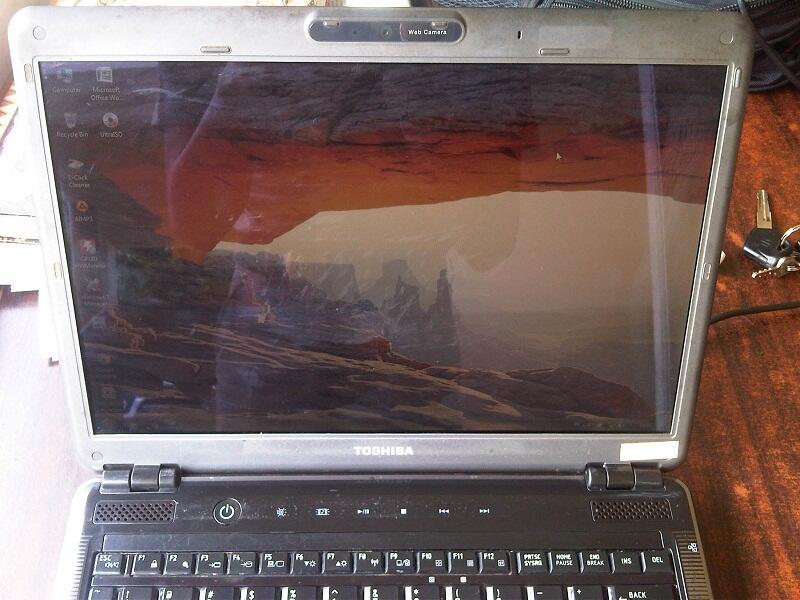 Dijual Toshiba U405-S2820 Batre awet gan, siap tempur..