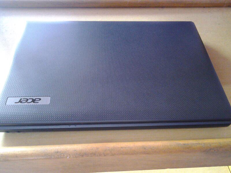 Acer aspire 4739, core i3, ram 2gb, win 7, murah!