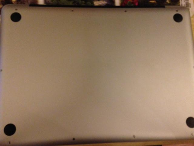 QUICK SELL: MacBook Pro 13 Inch, 2010 **EXCELELENT CONDITION**